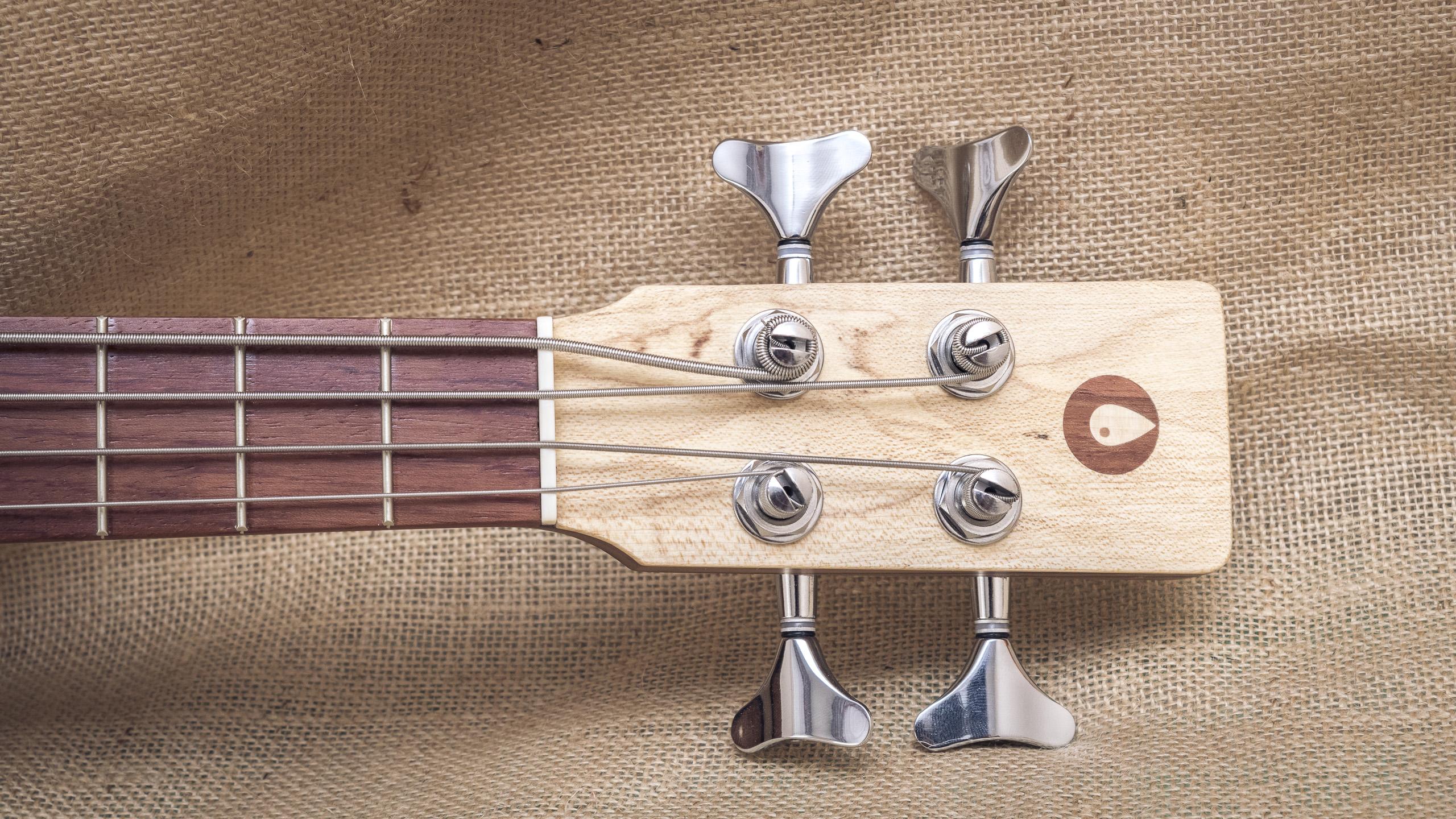 p-bass-2